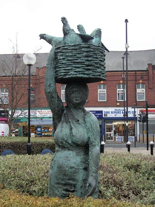fisherwoman-statue-1b
